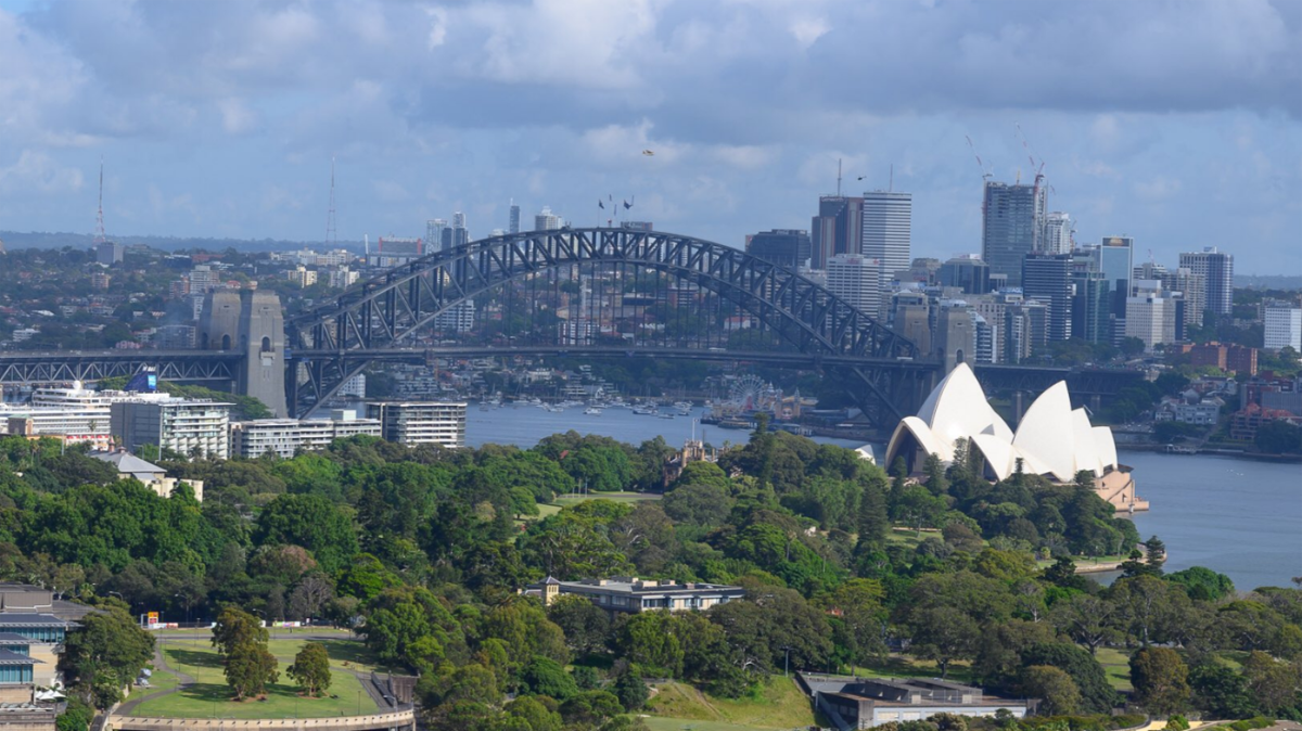 Before-Drag the slider back and forth across the image of Sydney above, to see the city with clean air and how the atmosphere in December 2019 was thoroughly polluted by smoke from bushfires inland. What you see here, was viscerally felt.